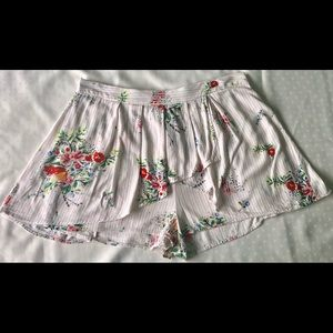 Free people white floral excellent condition
